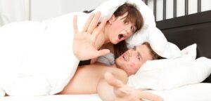 Les choses à faire pour confirmer que votre copine ou votre femme a une relation adultère