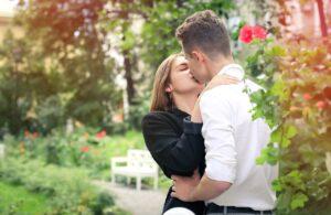 Différences entre hommes et femmes : une notion commune,  la relation adultère, mais pour des raisons différentes